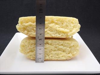 ダイソーのスキレットで焼くホットケーキ