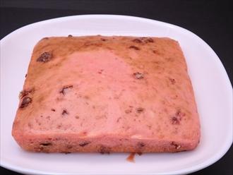 ピンク色のいちごチョコレートホットケーキ